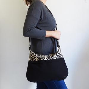 Black lines bag