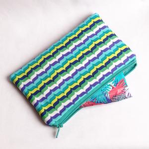 Colors purse