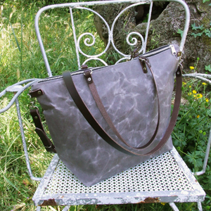 Light browm tote bag